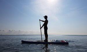 Lerne bei uns in Kegneas/Dänemark das Stand Up Paddlen.